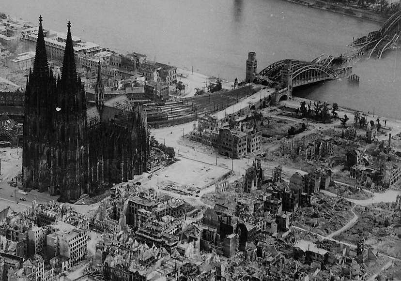 colognecathedralafterbombing